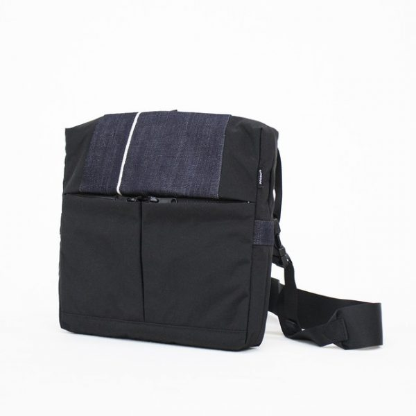 ac302 Shoulder Bag